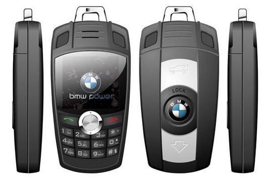 Мобильный телефон в виде брелка BMW - Самый маленький мобильный телефон в мире.