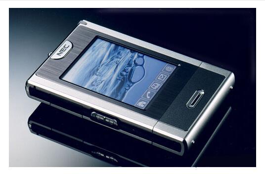 NEC N930. Самые маленькие мобильные телефоны