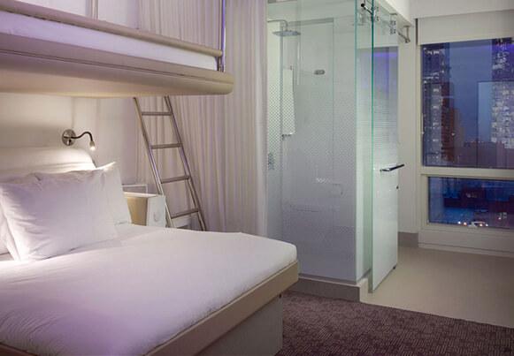 Самые маленькие отели мира. сеть Yotel. Номер в Нью-Йорке.