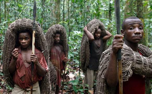 Самые маленькие (низкорослые) люди в мире - Пигмеи. На охоте. foto:http://www.nbcnews.com/