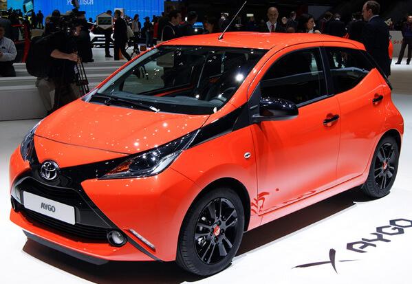 Топ-10 самых маленьких автомобилей 2015 года. Toyota Aygo 2015.