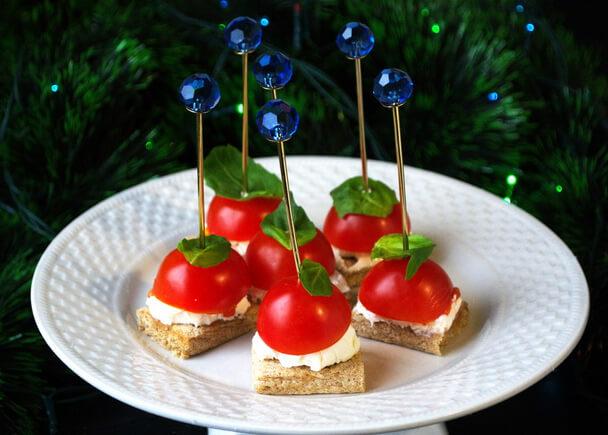 Самые маленькие помидоры - томаты Черри. Канапе.