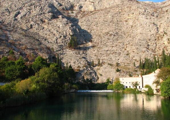 Самая короткая в мире река. Омбла в Хорватии.
