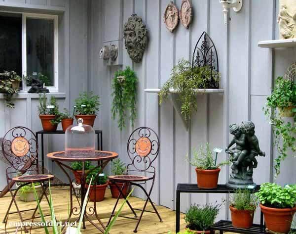 Маленький сад. Декорирование стены или забора
