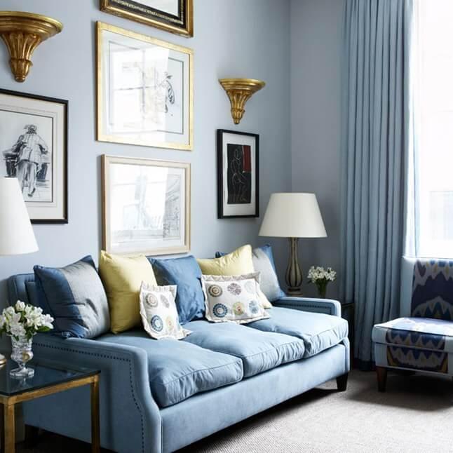 Маленькая гостиная. Идеи дизайна и интерьера. Мебель одного цвета со стенами.