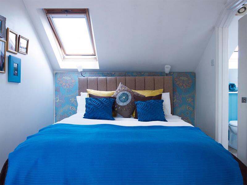 Aegis Interior Design Ltd Маленькая спальня. Интерьер и дизайн маленькой спальни. Идеи и декор.