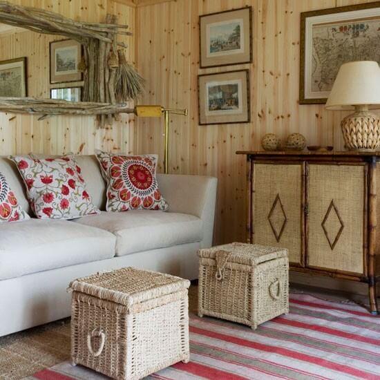Маленькая гостиная. Идеи дизайна и интерьера. Натуральное дерево в интерьере.