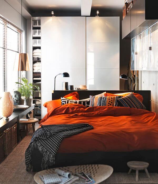 Маленькая спальня. Интерьер и дизайн маленькой спальни. Идеи и декор. Отражающий шкаф купе.