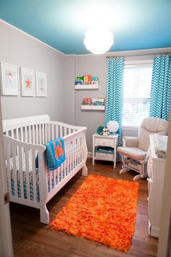 Маленькая детская комната. Идеи дизайна. Комната для мальчика в голубых тонах.