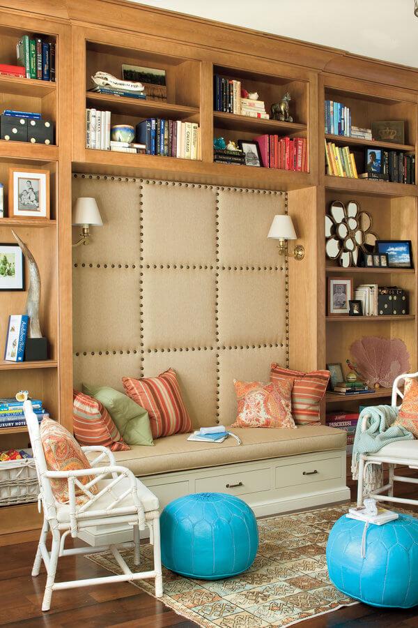 Маленькая гостиная. Идеи дизайна и интерьера. Зона отдыха для чтения.