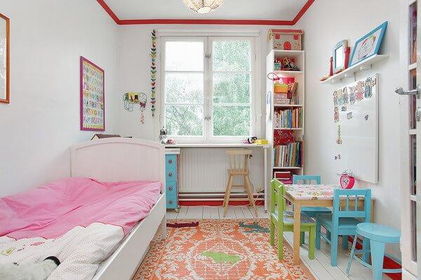 Маленькая детская комната. Идеи дизайна. Светлая комната для девочки.