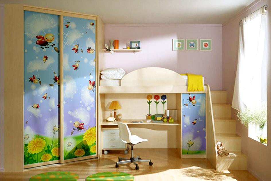 Маленькая детская комната. Идеи дизайна. Мебель для детской. Кровать на втором ярусе.