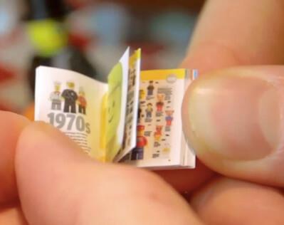 Миниатюрные и маленькие книги. Издательство DK выпустило серию мини книг про эволюцию фигурок Лего