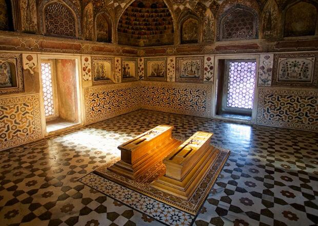 Тадж-Махал. внутри. 7 современных чудес света.