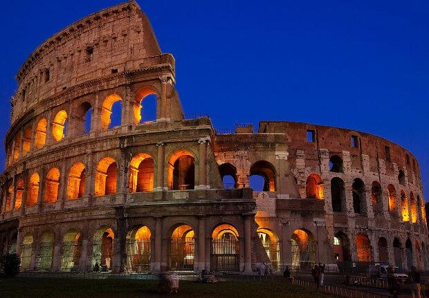 Колизей в Риме. 7 современных чудес света.