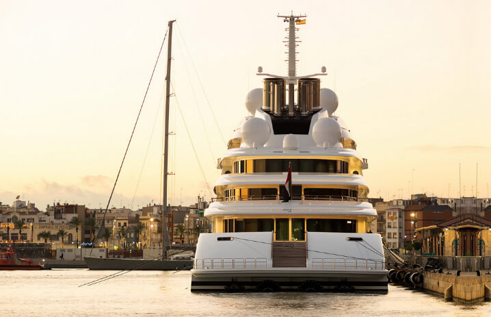 Azzam. 10 самых дорогих яхт в мире.