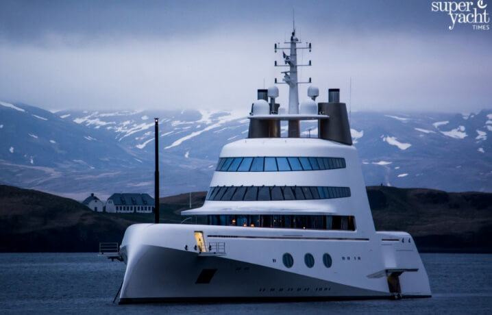 Superyacht A («Мегаяхта А» или просто «А»).