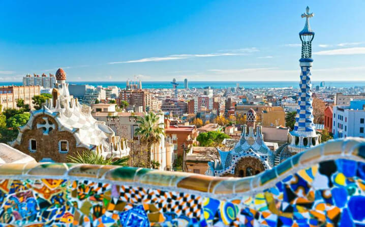 Барселона, Испания. Вид на город с парка Гуэля.