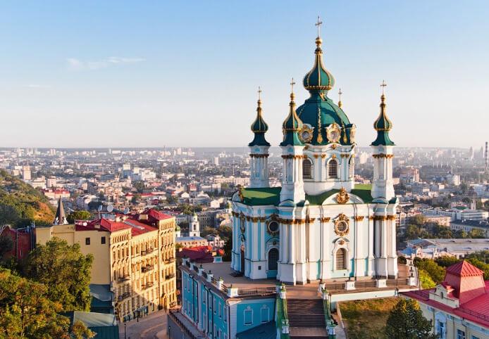 Андреевкая церковь Киев. Самые дешевые в мире страны.