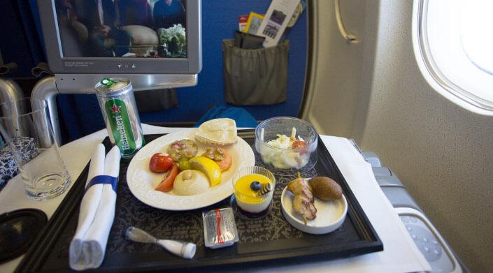 KLM трапеза бизнес класса