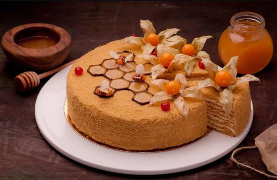 Медовик, Популярные торты. Самые вкусные торты мира. Фото и история.